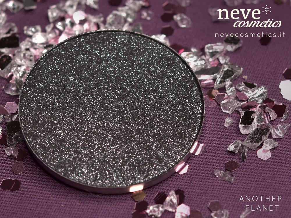 ANOTHER PLANET eyeshadow