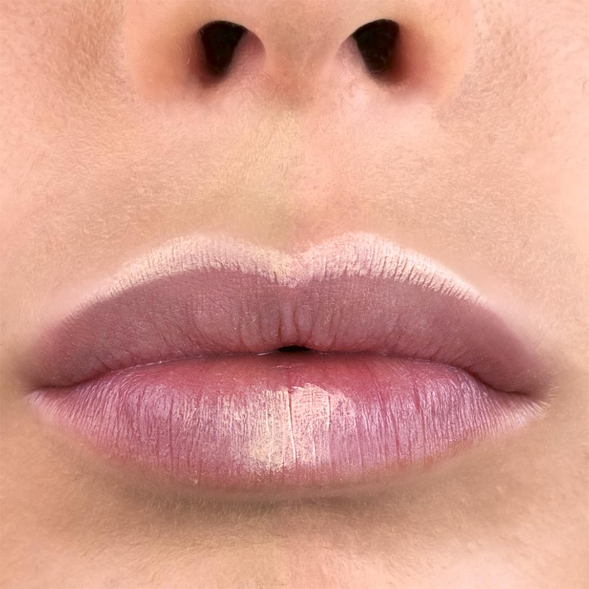 Contouring labbra: un esempio concreto