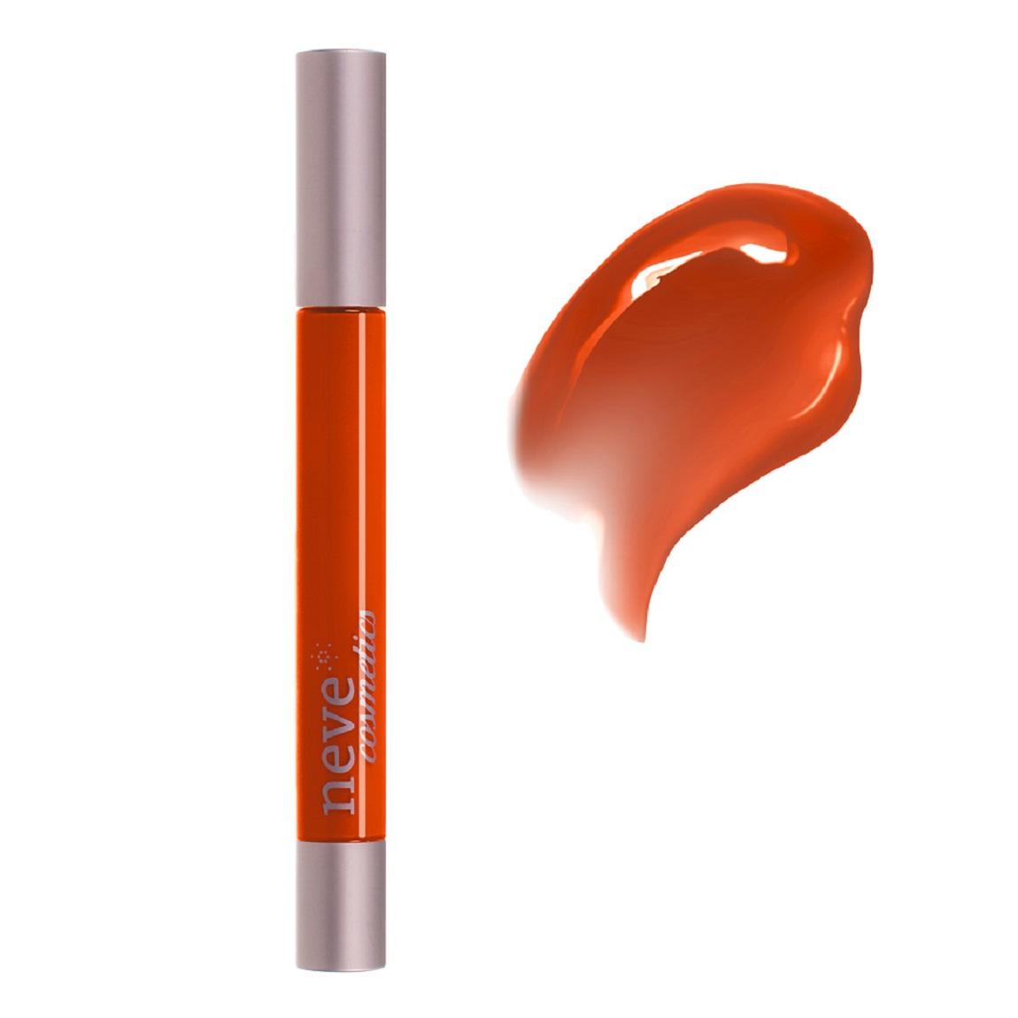 Labbra fuori dagli schemi con il gloss arancione Cha - u- kao!