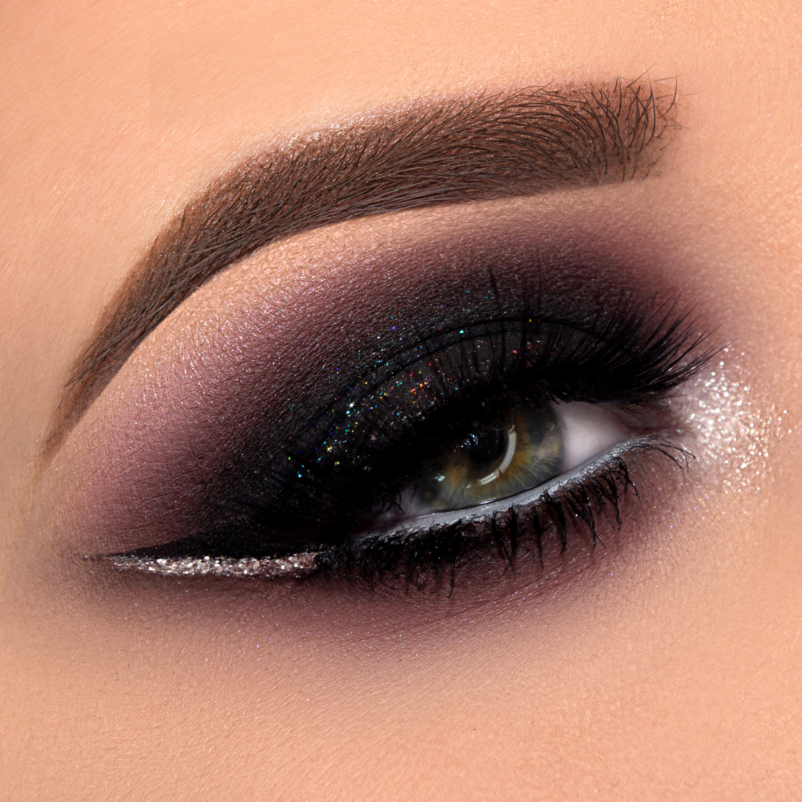 Come fare lo smokey eyes nero