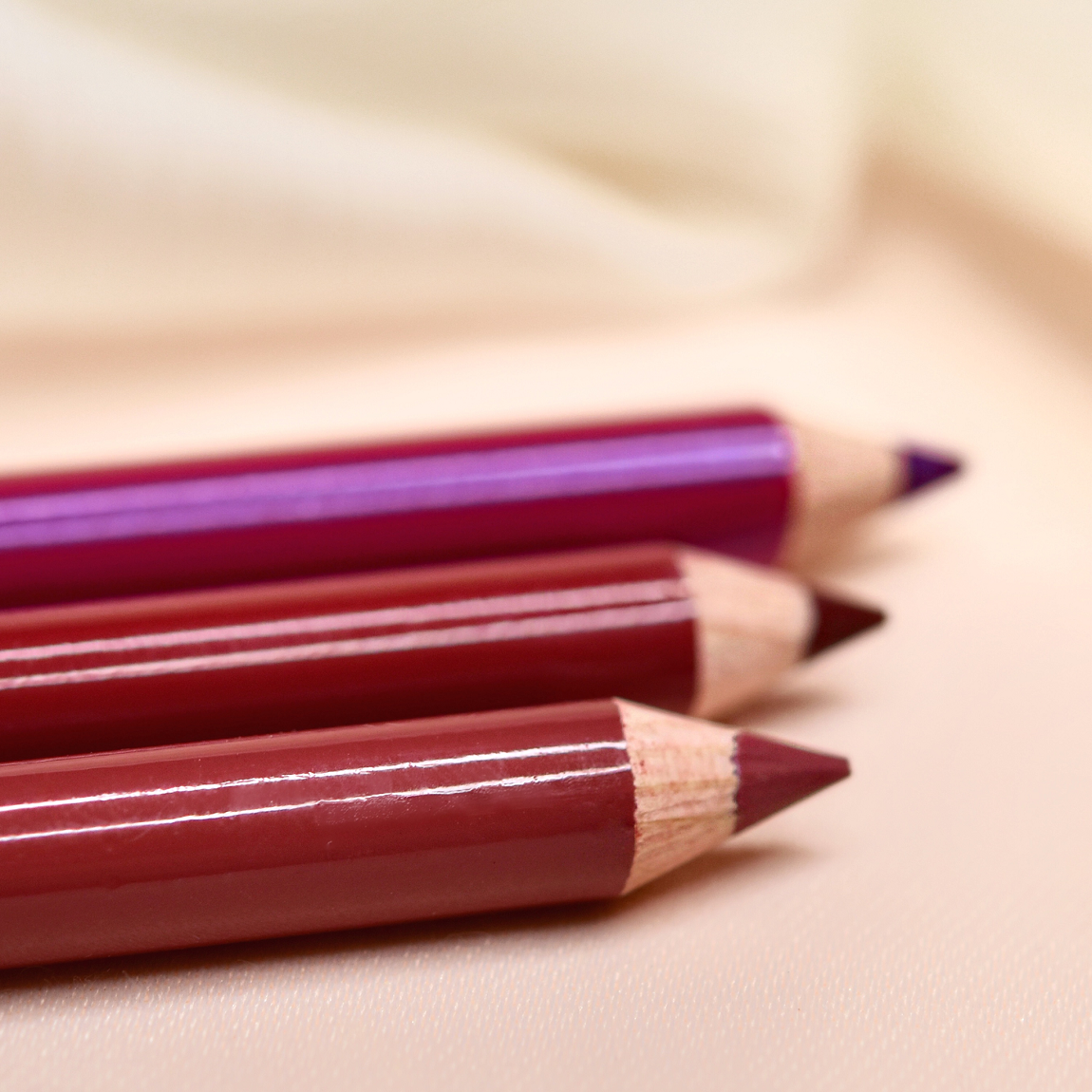 Le nuove tonalità delle Pastello labbra SuperHeroine.