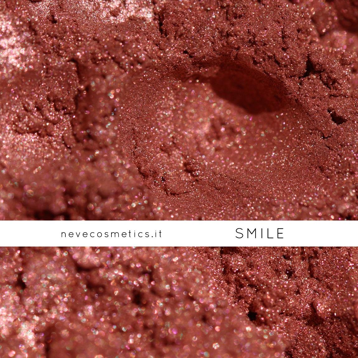 Smile è il blush minerale color pesca che si può usare anche come ombretto!